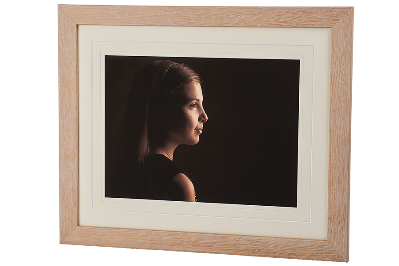 natural oak wood traditional frame framing studio portraits melton rutland belvoir nottingham